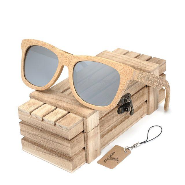 Bobo bird napszemüveg, gravírozott szár